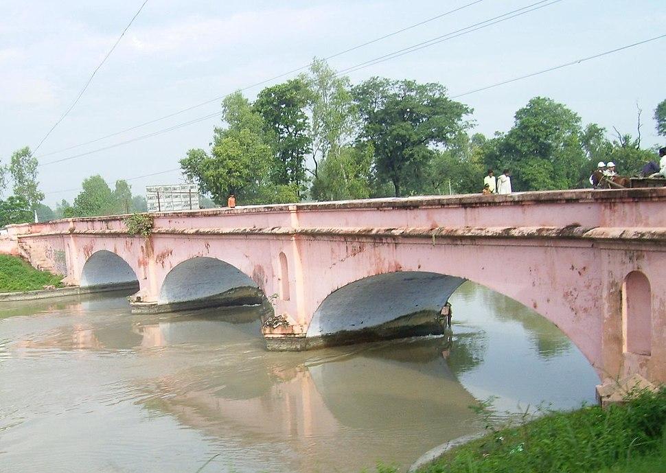 GangesCanalRoorkee2008