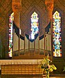 Gien l'Église Sainte-Jeanne-d'Arc (vitrail).jpg