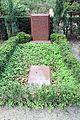 Grabstätte Trakehner Allee 1 (Westend) Günter Rexrodt.jpg