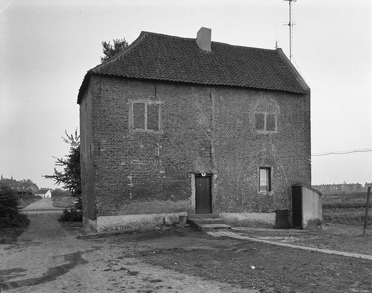 File groethofstraat poortgebouw van het voormalige huis groethof venlo 20241304 - Ingang van het hedendaagse huis ...