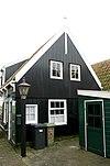 foto van Houten huis in het verlengde van nr 12