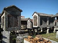 Hórreos de Muimenta, Carballeda de Avia, Galicia.jpg
