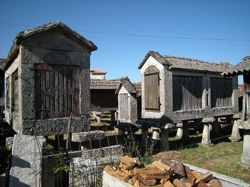 Hórreos de Muimenta, Carballeda de Avia, Galicia