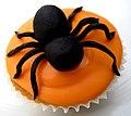 Halloween Spider Cup Cake (6868901903).jpg