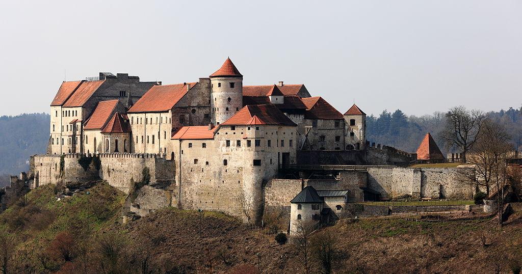 filehauptburg burghausenjpg wikimedia commons