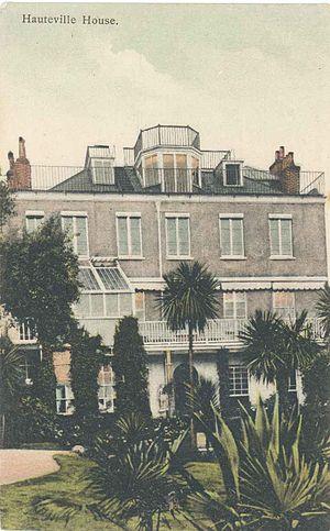 Raymond Escholier - Hauteville House, maison de Victor Hugo devenue un musée.