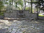 Heinsedenkmal in Langewiesen (Quelle: Wikimedia)
