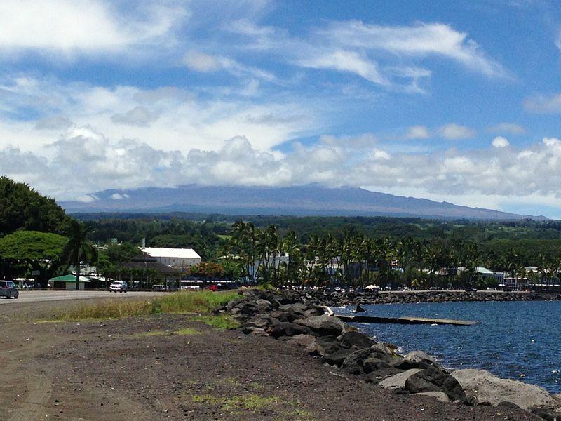 File:Hilo Town and Mauna Kea.JPG