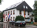 Hinterzarten Rathaus Holland-Flaggen.jpg