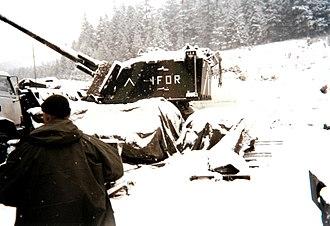 Implementation Force - Image: Hirlimann Le char au garage