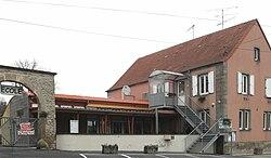 Hirschland, Mairie et l'école.jpg