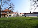 Hof Grass Innenhof 01.JPG