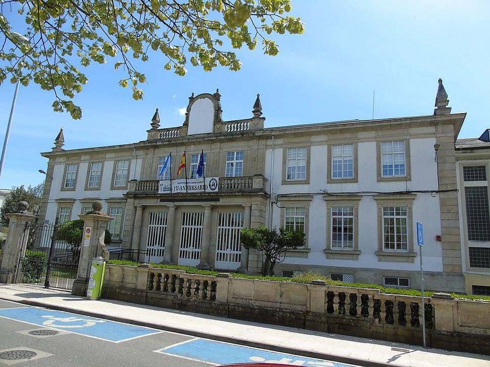 Instituto Nacional Masculino (actual IES Lucus Augusti) de Lugo, onde traballou.