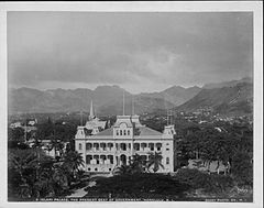 Iolani Palace, photograph by Frank Davey (PP-10-7-022).jpg