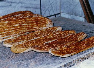 Naan - Image: Iranian Bread 1