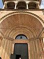 Italie, Modène, Duomo ou Cattedrale di Santa Maria Assunta in Cielo e San Geminiano (XIIe - XIIIe siècles), Porta Reggia, Détail de la voûte en berceau du porche (50245698732).jpg