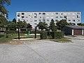 Játszótér és Sümegi úti panelház, 2019 Tapolca.jpg