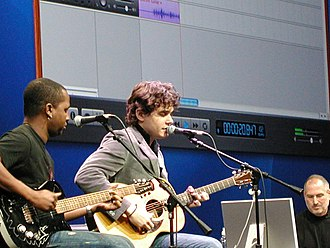 John Mayer - January 2005, left to right: David Ryan Harris, John Mayer and Steve Jobs at Macworld 11, SF Moscone Center.