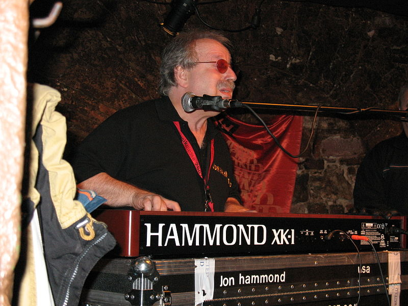 File:Jon Hammond at XK-1 Hammond Organ JAZZKELLER FRANKFURT.jpg