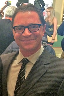 Description de l'image  Joshua Malina at the inaugural IAWTV Awards (cropped).jpg.
