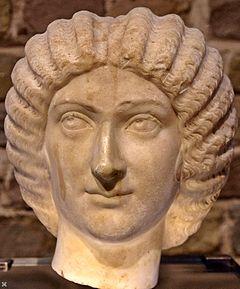 Familia romana julia