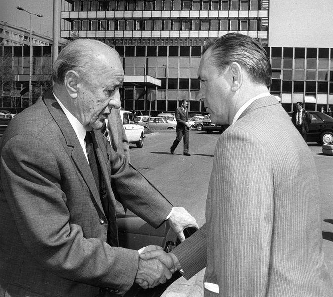 File:Kádár and Grósz 1986.jpg