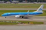 KLM, PH-HSD, Boeing 737-8K2 (37231038165).jpg