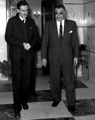 Kamal Jumblatt - Jumblatt (left) with Egyptian President Gamal Abdel Nasser, 1966