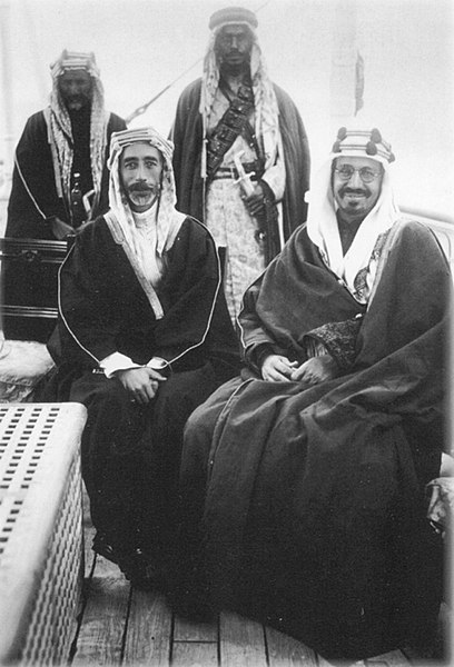 ملف:King Faisal I of Syria with King Abdul-Aziz of Saudi Arabia in the mid-1920s.jpg