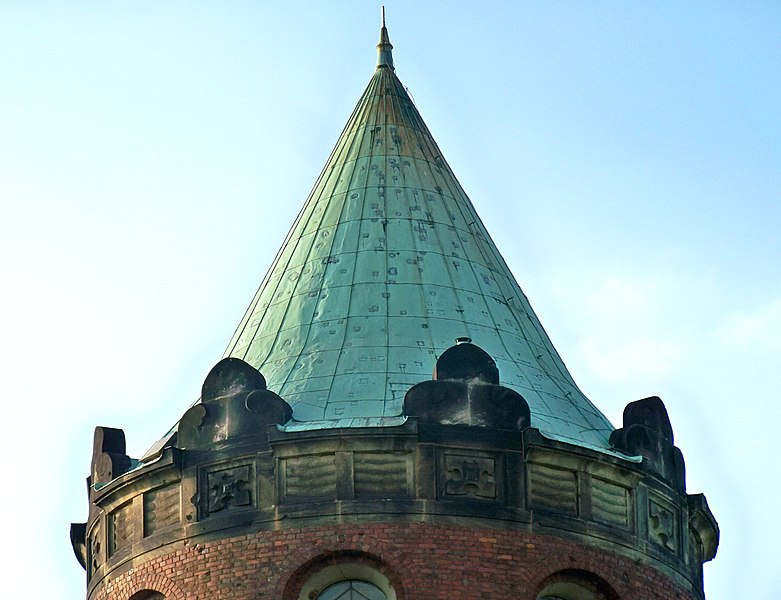 File:Kościół niepokalanego poczęcia wwa hełm.jpg