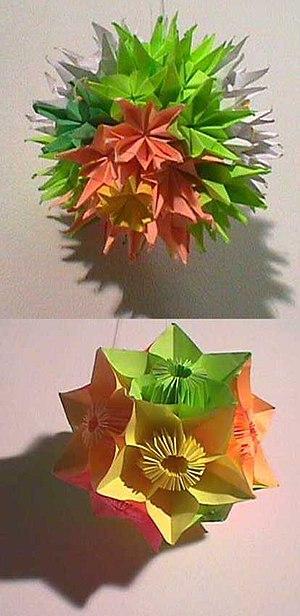 Due esempi di Kusudama realizzati ad origami