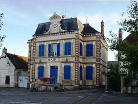 The town hall in La Celle-Saint-Cyr