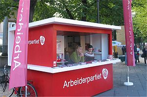 Labour Party (Norway) - Campaign booth at Karl Johans gate ahead of the Norwegian local elections, 2007.