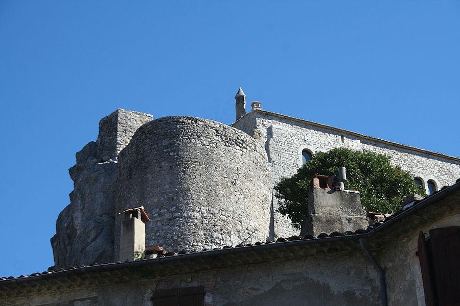 Laroque - Tour du château.