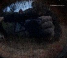 Le photographe dans l'œil d'un âne.jpg