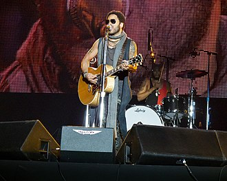 Lenny Kravitz - Kravitz performing in Madrid on June 30, 2012.