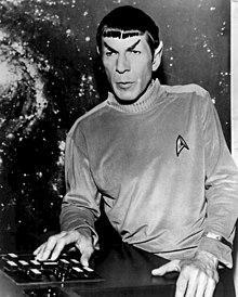 Leonard Nimoy sul set di Star Trek (1966)