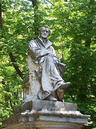 Justus von Liebig - Justus von Liebig statue, Munich, Germany
