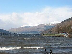 Loch Tay - Image: Loch Tay at Kenmore 2