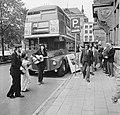 Londense dubbeldekbus in Den Haag ter bevordering van toerisme, Bestanddeelnr 926-7044.jpg