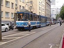 Niedrig-Mittel-Straßenbahn in Tallinn.JPG