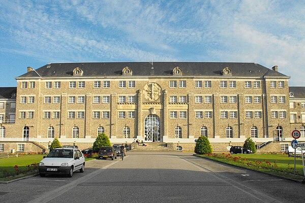 Lycée Pierre-Caraminot.