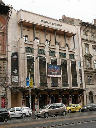 Menetrendek Madách Színház tömegközlekedéssel