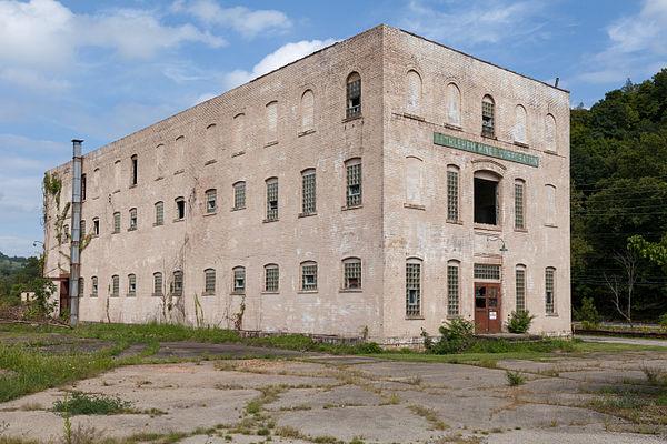 Marianna Historic District (PA) Bethlehem Mines Bldg side.jpg