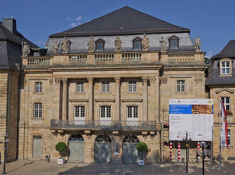 File:Markgräfliches Opernhaus Front 2014.jpg