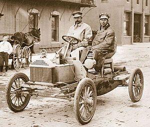 Walter Lorenzo Marr - Walter Marr and Tom Buick (David Buick's son) on a prototype 1904 Buick Model B.