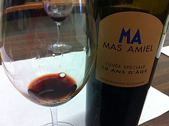 Maury AOC - A Maury wine that has been aged for 10 years.