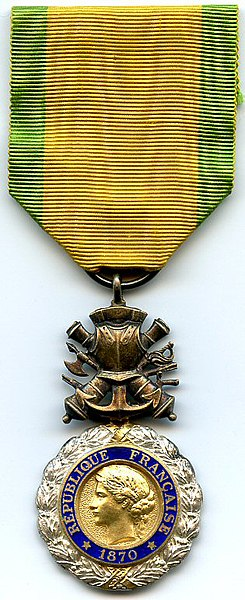 https://upload.wikimedia.org/wikipedia/commons/thumb/1/1d/Medaille_Militaire_3e_Republique_France.jpg/245px-Medaille_Militaire_3e_Republique_France.jpg