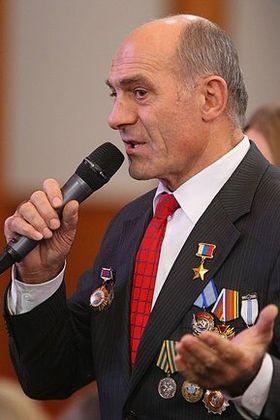 Толбоев Магомед Омарович, Герой России, летчик-космонавт, Почетный Президент