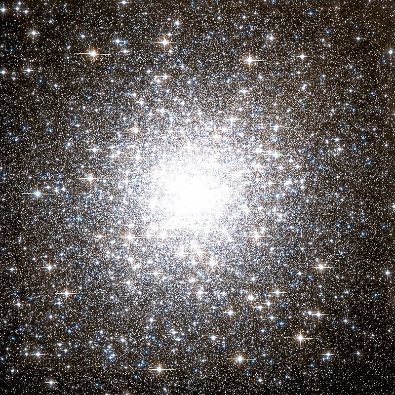 Globular Cluster M2 by the Hubble Space Telescope